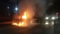 Minibus di Makassar Terbakar, Diduga Akibat Tumpahan Bensin