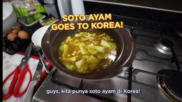 orang korea utara coba soto ayam