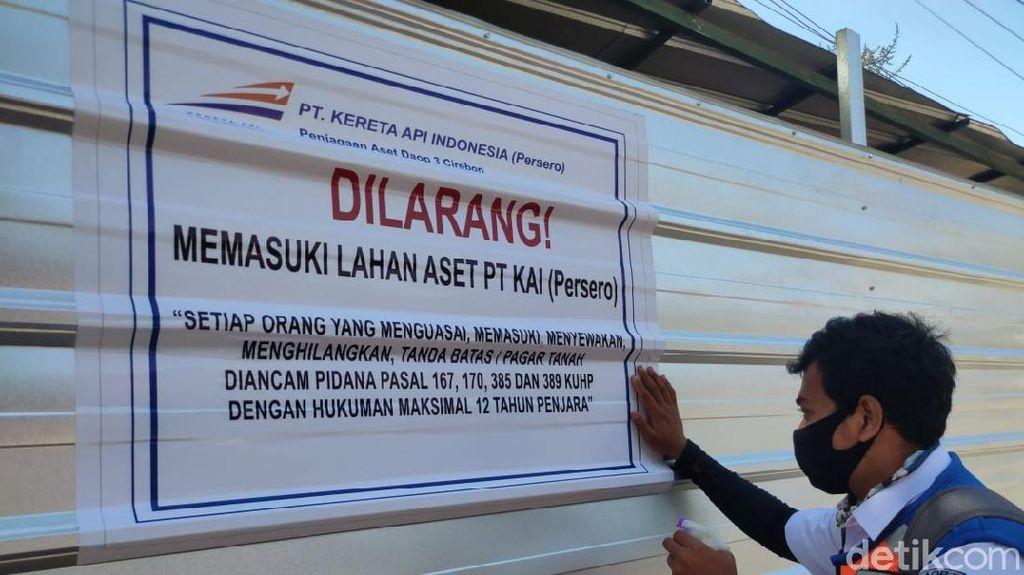 Mendapat Penolakan, Penertiban Aset PT KAI di Cirebon Sempat Panas