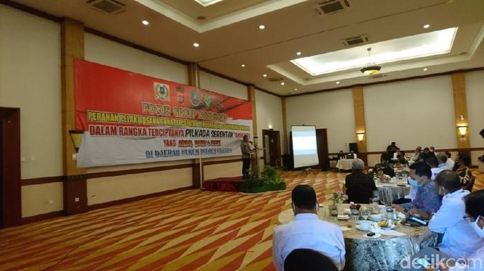 Polres Cilegon bertemu dengan pihak perusahaan untuk membahas stabilitas situasi jelang Pilwalkot (M Iqbal/detikcom)