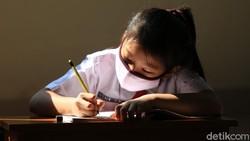 Saran IDAI Agar Anak Tak Berlebihan Terpapar Gadget Saat Belajar Online