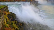 Seru Nih, Bisa Lebih Dekat Melihat Air Terjun Niagara