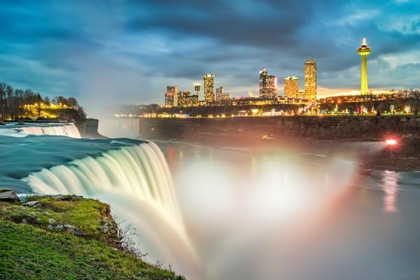 Air terjun ini selalu menjadi primadona bagi wisatawan. (iStock)