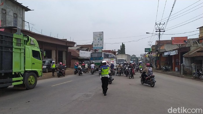 Arus lalu lintas di wilayah Garut jelang Idul Adha lancar