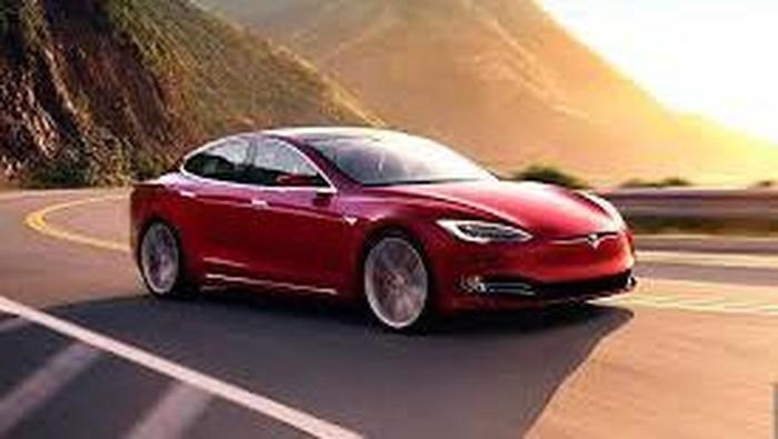 Tesla Model 3 mulai diproduksi di pabrik Tesla