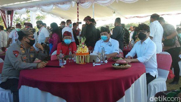 Deklarasi Program Kepariwisataan dalam Tatanan Kehidupan Bali Era Baru dihadiri Menko Marves Luhut Binsar Pandjaitan, Menparekraf Wishnutama, dan Gubernur Bali Wayan Koster