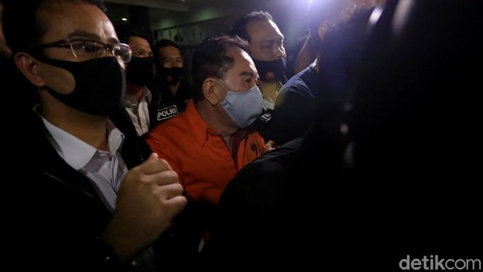 Djoko Tjandra tiba di Bandara Halim Perdanakusumah, Jakarta, usai sebelumnya ditangkap di Malaysia.