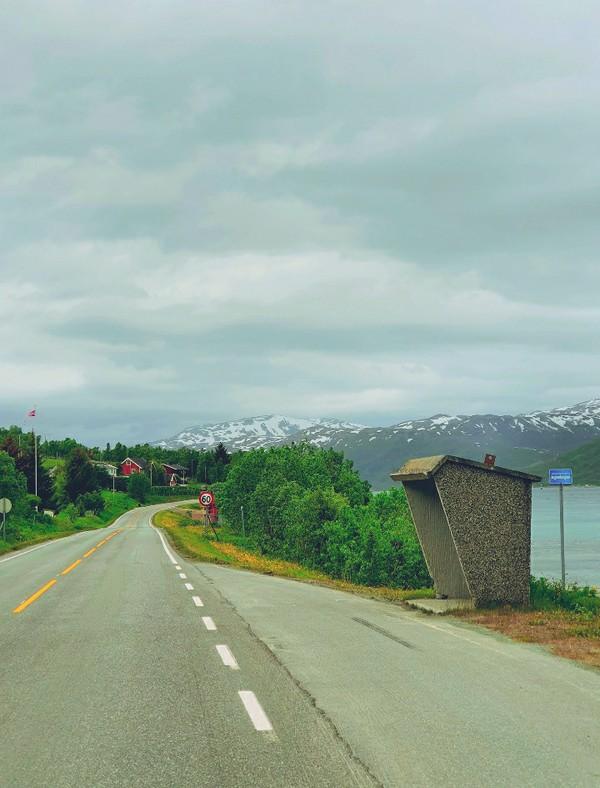 Ini pemandangan halte di Norwegia utara. (Ruswandi/Istimewa)