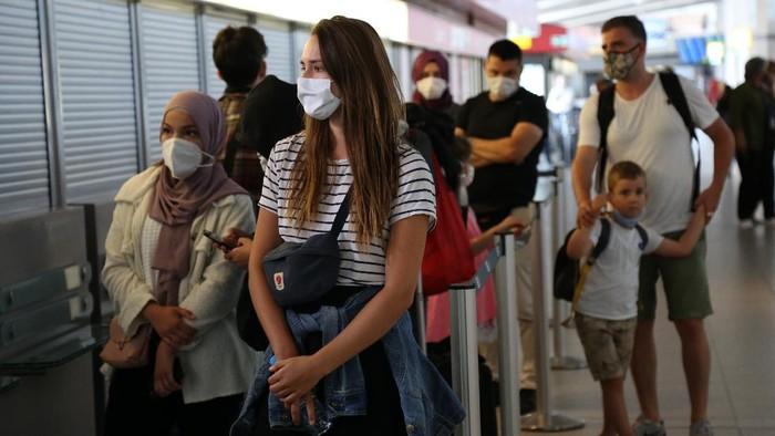 Bandara-bandara di Jerman mulai melakukan tes virus Corona (COVID-19) berskala besar terhadap para penumpang yang baru tiba dari luar negeri.