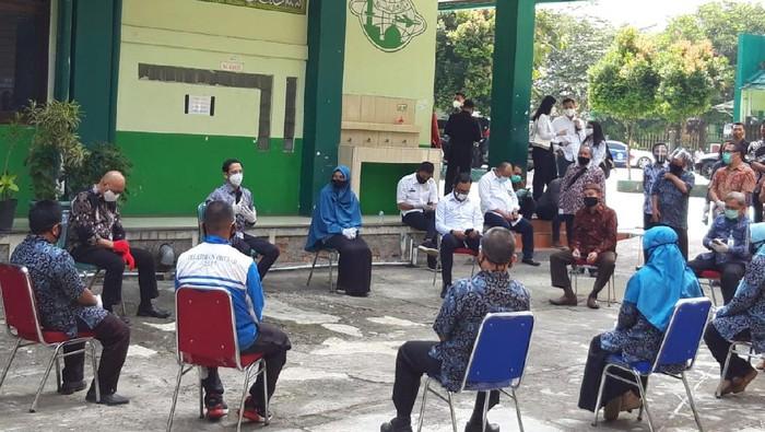 Mendikbud Nadiem saat dicurhati kendala PJJ oleh guru SMP di Bogor