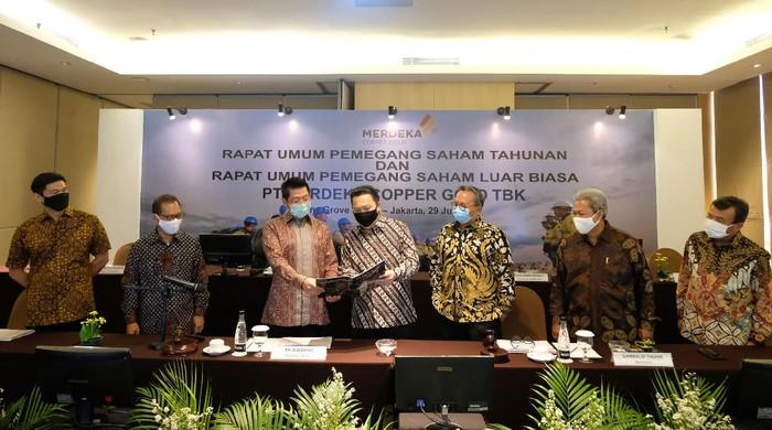 PT Merdeka Copper Gold Tbk gelar Rapat Umum Pemegang Saham Tahunan dan Luar Biasa (RUPST dan RUPSLB). RUPST setuju untuk melakukan buyback.