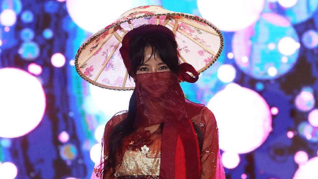 Model-Model Cantik Korea Fashion Show Pakai Masker