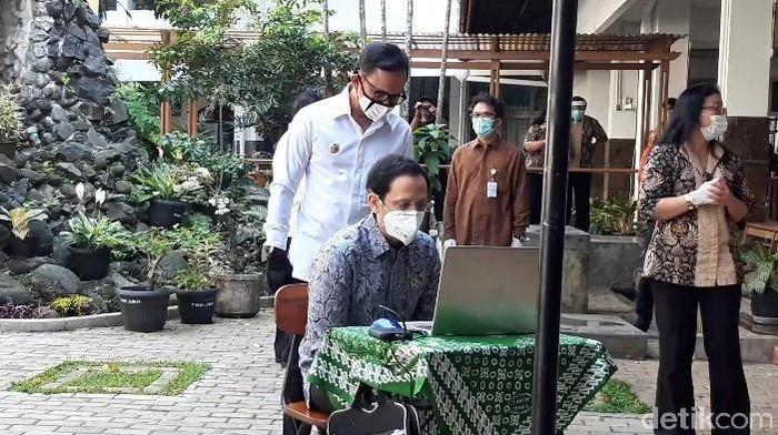 Nadiem sapa siswa SMA di Bogor secara online