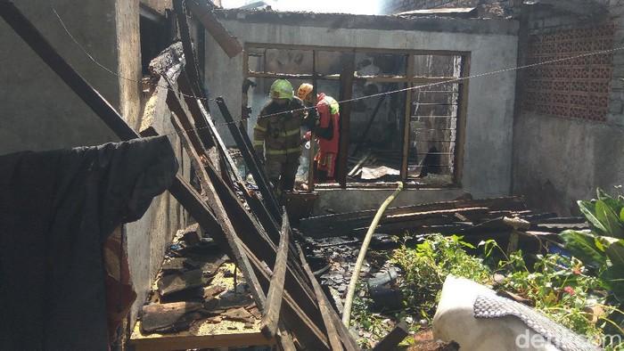 Rumah merangkap peternakan ayam terbakar di Cimahi