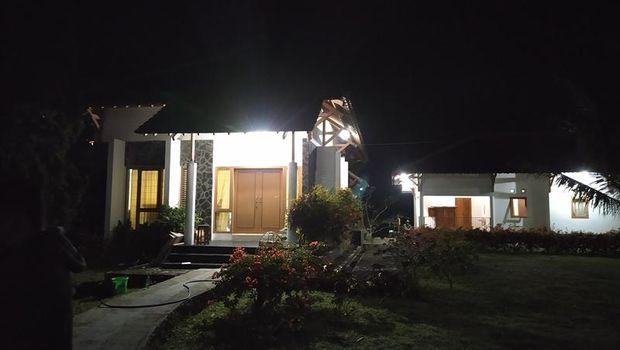 Suasana rumah duka Ajip Rosidi di Magelang