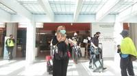 Suasana hari pertama kedatangan domestik di Bandara I Gusti Ngurah Rai, Bali (Angga Riza/detikcom)
