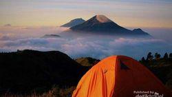 Mendaki Gunung Bakal Lebih Menguras Dompetmu