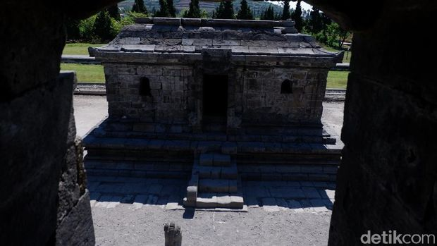 Komplek Candi Arjuna di Dieng
