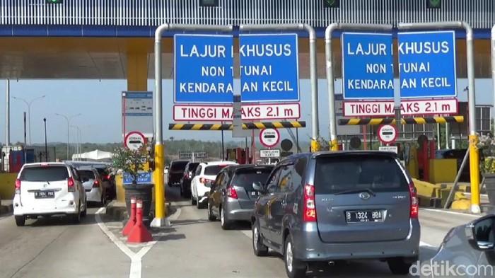 Kondisi arus lalu lintas di Tol Cipularang terus meningkat