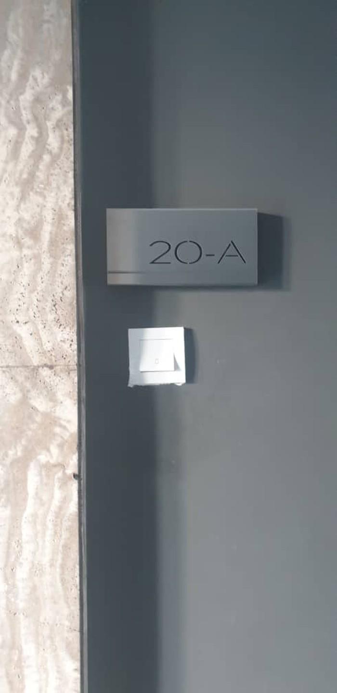 Pintu unit apartemen Djoko Tjandra di The Avare Condominium, Kuala Lumpur, Malaysia