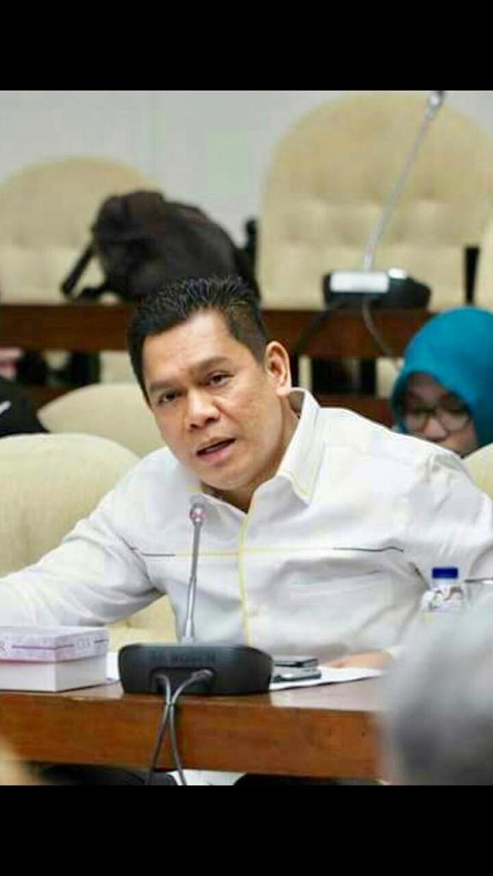 Wakil Ketua Komisi III Adies Kadir