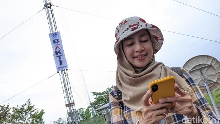 Badan Aksesibilitas Telekomunikasi dan Informasi (Bakti) Kementerian Komunikasi dan Informatika (Kominfo) terus membangun BTS USO di daerah 3T, agar masyarakat di sana dapat menikmati layanan internet seperti halnya di kota-kota besar.