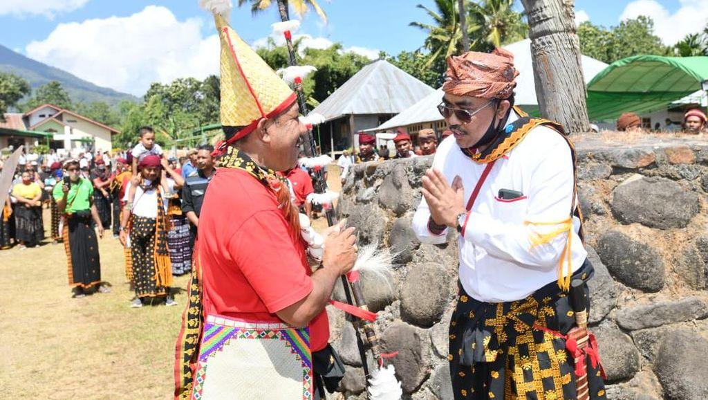 Saksikan Upacara Suku Deu, MPR: Kemajuan Bangsa Bisa Dimulai dari Timur
