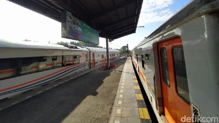 Kereta di Cirebon