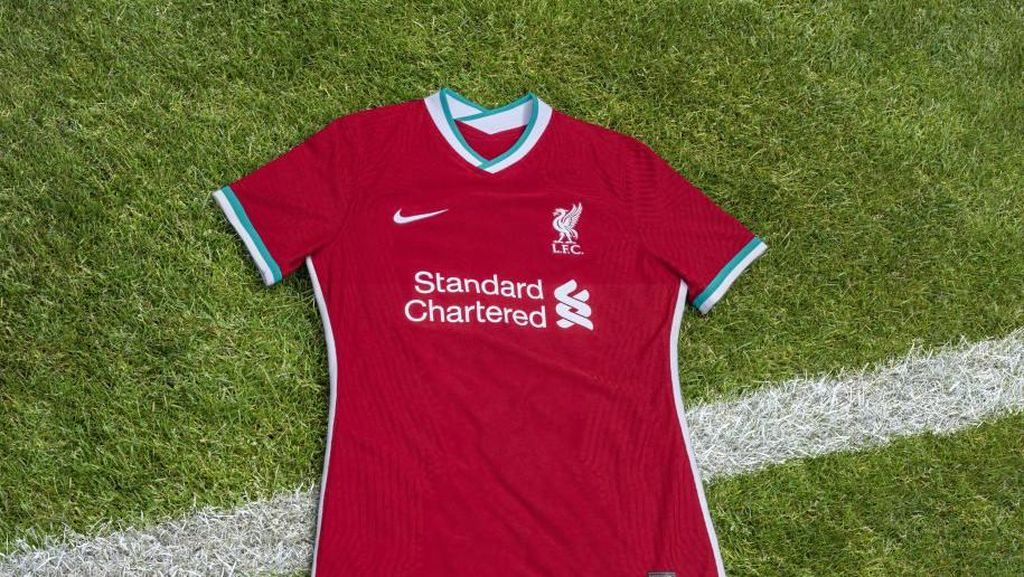 Video Penampakan Jersey Kandang Liverpool