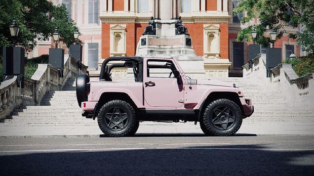 Modifikasi Jeep Wrangler dengan kelir pink