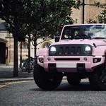 Modifikasi Jeep Wrangler Tampil Manis dengan Kelir Pink