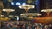Salat Idul Adha di Masjid Agung Hagia Sophia dipimpin oleh Ali Erbas, kepala Direktorat Urusan Agama Turki.