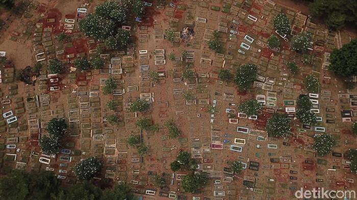 Pemprov DKI Jakarta menghentikan sementara pelayanan pembukaan petak makam baru di 16 TPU karena kapasitasnya sudah tidak memadai.