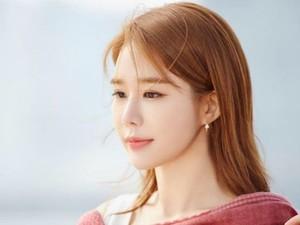 Mengenal Yoo In Na, Aktris Korea yang Foto Masa Lalunya Bikin Pangling