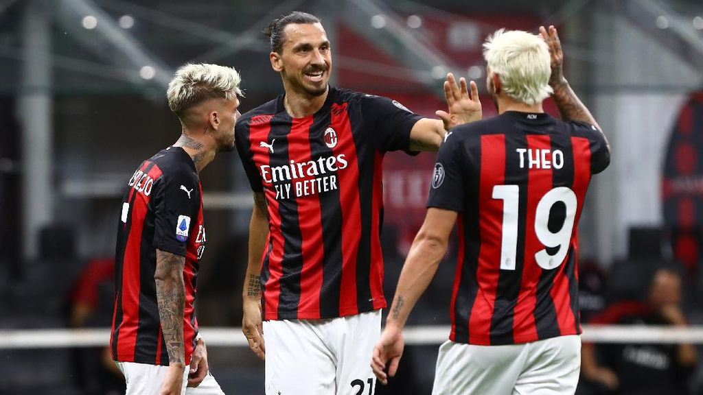 Ibrahimovic Cetak Gol, Milan Tutup Musim dengan Kemenangan