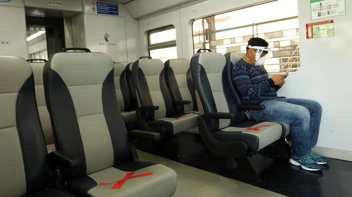 Kereta Api Bandara Kualanamu kembali beroperasi di masa Adaptasi Kebiasaan Baru. Sejumlah protokol kesehatan pun diterapkan dan wajib dipatuhi oleh penumpang.