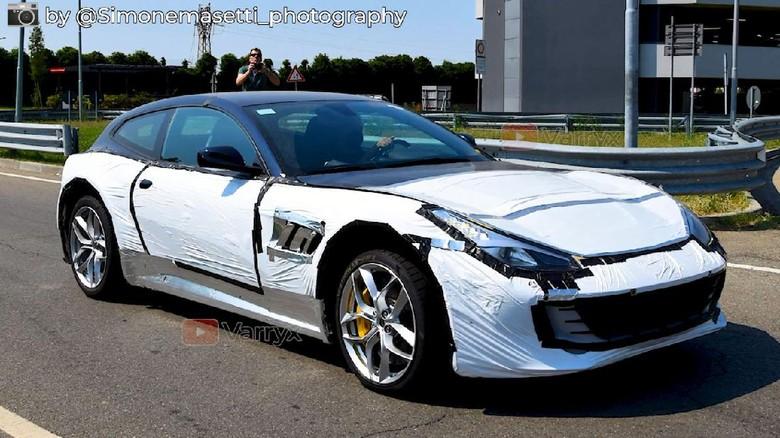Bocorna Ferrari Purosangue