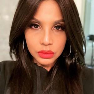 Agar Awet Muda, Toni Braxton Pakai Sex Toys di Wajah Setelah Skincare