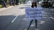 Jabar Hari Ini: Demo Pekerja Hiburan Malam-Pria Bandung Pamer Alat Kelamin