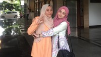 Emak-emak Awet Muda Viral di TikTok, Bak Kakak Adik dengan Anak