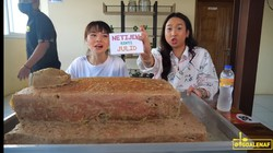 Buat Netizen Julid, Di Bekasi Ada Bakso Kuburan Tabur Cabai