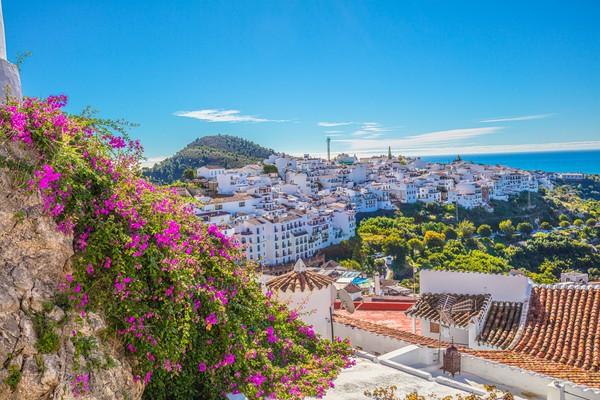 Dalam pencarian Google, Spanyol mendapati posisi kelima dengan jumlah 1,5 juta penelusuran. Negara-negara Eropa memang tetap menjadi pencarian bagi orang-orang yang rindu liburan. (Getty Images/iStockphoto/HIROMASA ARAKI)