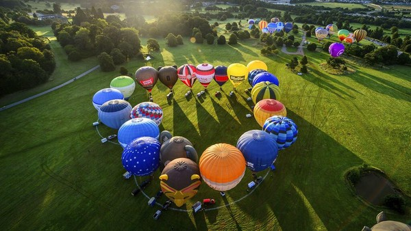 Festival balon udara internasional di kawasan Bristol, Inggris, digelar di tengah pandemi COVID-19.