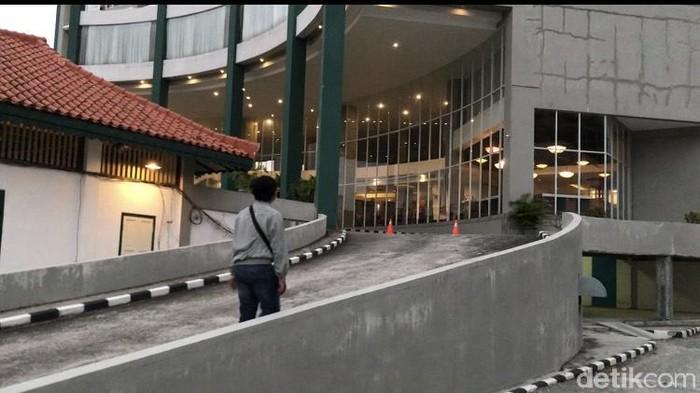 Hotel di Jl Jenderal Sudirman Pangkalpinang tempat anggota DPRD Belitung menginap