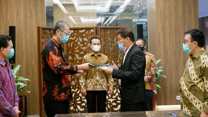 Sinomart KTS Development dan PT Batam Sentralindo melanjutkan rencana investasi proyek pembangunan Depo Minyak di Batam. Proyek ini mencapai Rp 12,19 T.