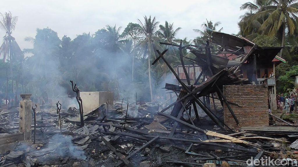Kebakaran di Polman Sulbar Hanguskan 8 Rumah Warga