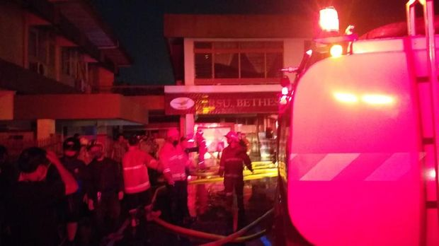 Kebakaran di RS Bethesda Lempuyangwangi, Kota Yogyakarta, Senin (3/8/2020).