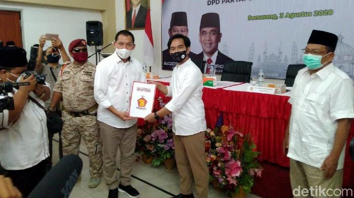 Gibran Rakabuming Raka kantongi dukungan dari Partai Gerindra untuk maju ke Pilkada Solo 2020. Dukungan itu bakal jadi suntikan semangat untuk menangkan Pilkada
