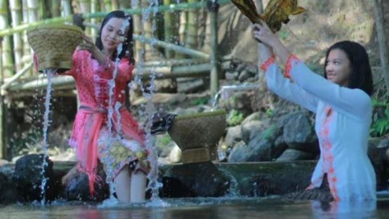 Mengintip Istana Batu Korsih Instagrammable di Majalengka