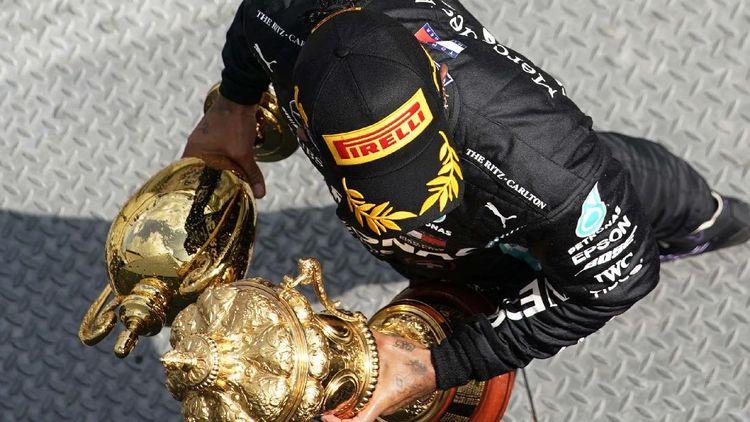 Momen Lewis Hamilton Juara GP Inggris dengan Ban Pecah